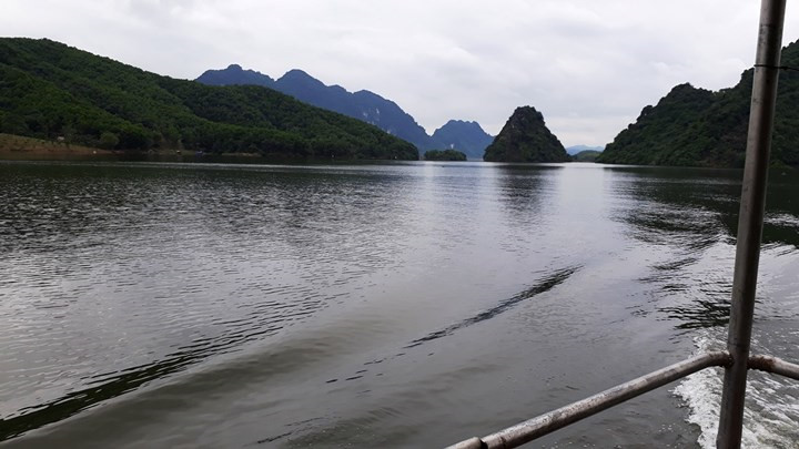 Halong-bay-on-the-mountains